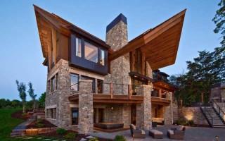 Зеленая крыша дом с мансардой