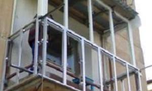 балкон из профильной трубы своими руками