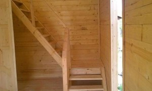в дачном домике построить своими руками лестницу на второй этаж